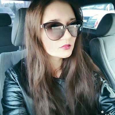 Аня Курасова