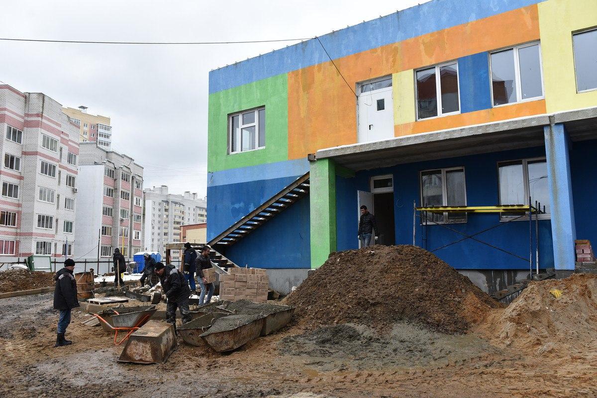 В Ярославле два детских сада на Соколе сдадут через месяц