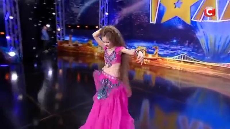 Маргарита Литвиненко - восточный танец 'Україна має талант-8'.Діти [09.04.2016].mp4