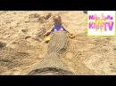 Спасение Русалки Little Mermaid вынесло на берег видео для детей