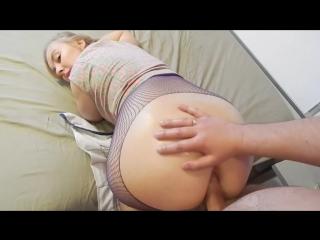 Порно попастая малышка фото 289-775