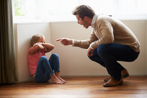 Папы, прекратите «ломать» своих детей