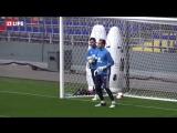 Сборная России по футболу тренируется перед болельщиками