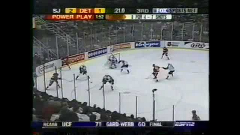 Pavel Datsyuk saves Red Wings with a late goal vs Sharks (2003) » Freewka.com - Смотреть онлайн в хорощем качестве