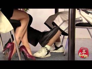 эротическое видео! Сексуальная игра ногами — Розыгрыш скрытая камера