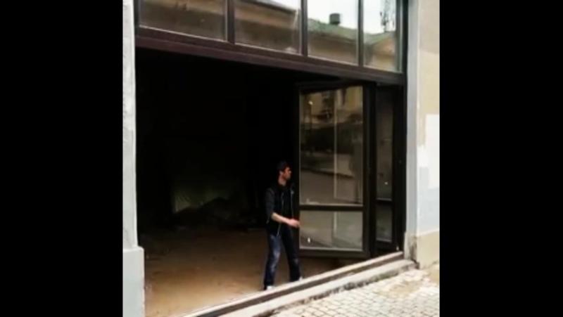 дверь-гормошка.