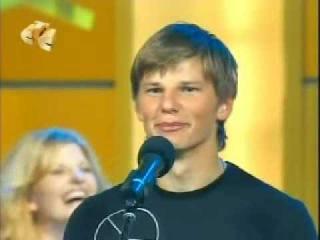 Arshavin sings karaoke