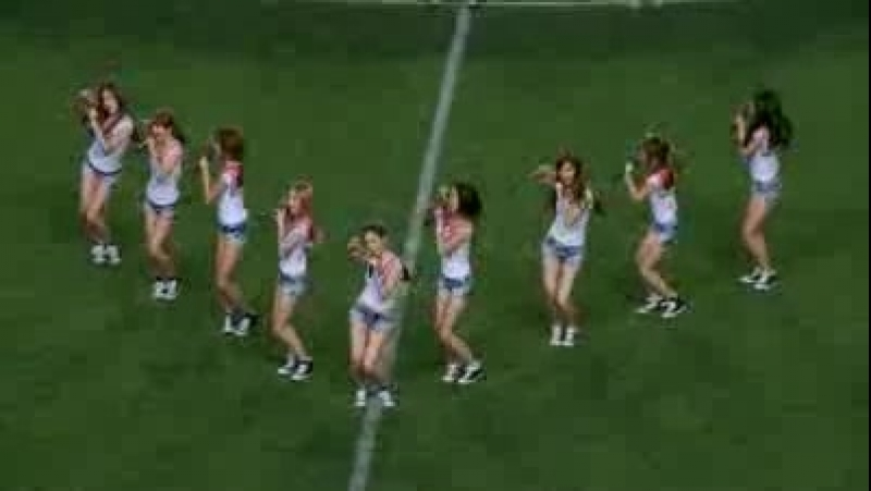 [Fancam] 090808 SNSD -Genie Gee- [JOMO Cup Pro Football Korea Japan All Star Match]