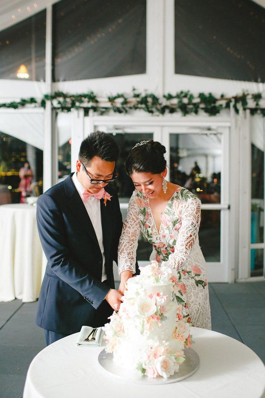 Когда у тебя лучший в мире ведущий на свадьбе. - Истории реальных свадеб. Идеи, вдохновение, стили и лучшее из мира свадебной индустрии на сайте ведущего на свадьбу в Волгограде - Павла Июльского. Организовать мероприятие в Волгограде: +7(937)-727-25-75 и +7(937)-555-20-20