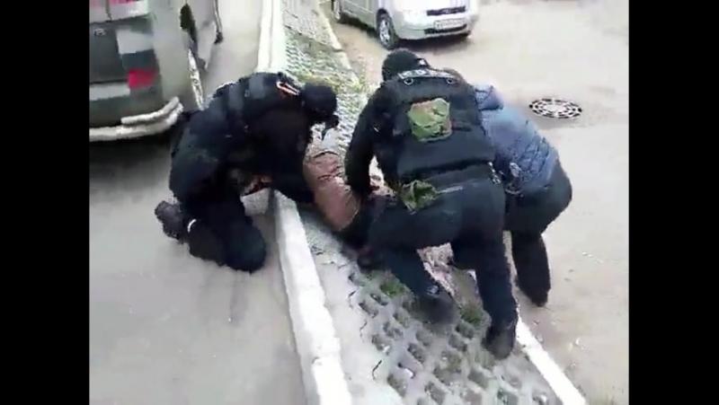 Кировский СОБР задержание вероятного черного риэлтора