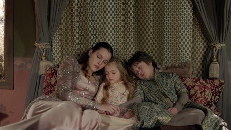 Айше Султан с детьми. Айше:Мы вместе уедем в очень красивую Амасью. Она будет нашим раем (смерть Айше)