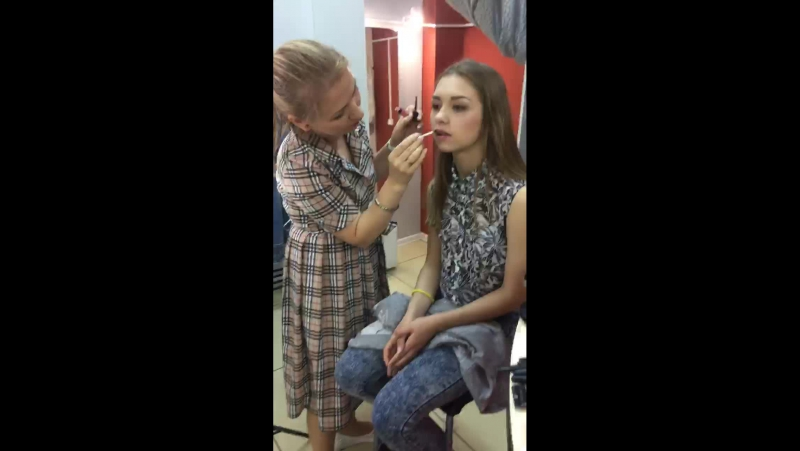 Бесплатный экспресс макияж от Анастасии Куренковой в Ev.Va Shop.