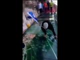 Китай: как треснул стеклянный мост над пропастью