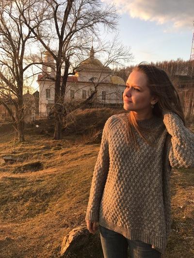 Елена Толстопятова
