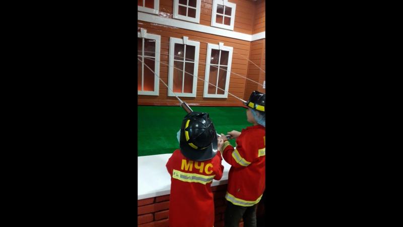 Город профессии ( Саша пожарник 4)
