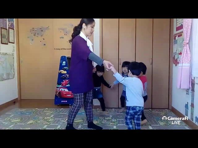 ファミリー英語教室 ファミリーイングリッシュ 'Dance Time