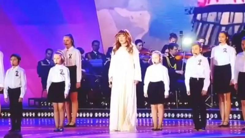 Праздничный концерт на Поклонной горе. » Freewka.com - Смотреть онлайн в хорощем качестве