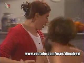 Анонс Семейные узы (БТ, 2002)