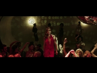 Музыка из рекламы Campari - Killer in Red (Clive Owen) (2017)