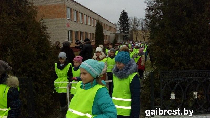 Остромичская школа продемонстрировала передовой опыт в обеспечении безопасности детей на дороге