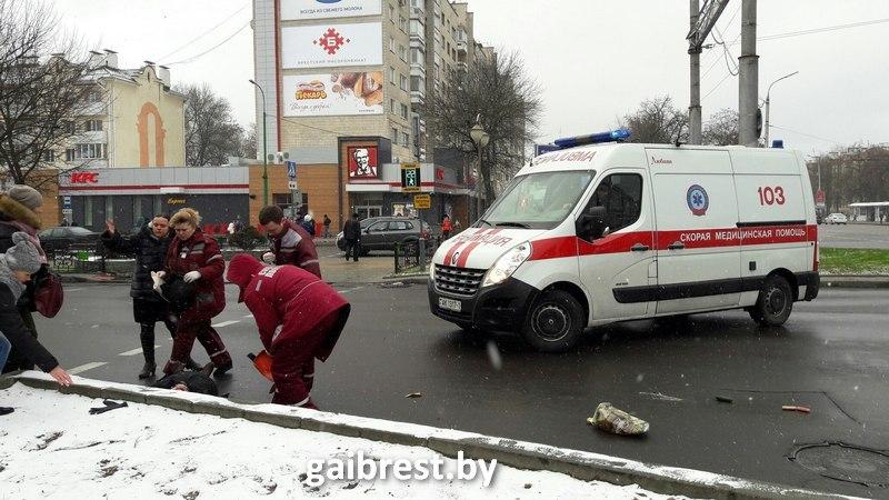 Брест: под колесами автобуса пострадали 2 женщины