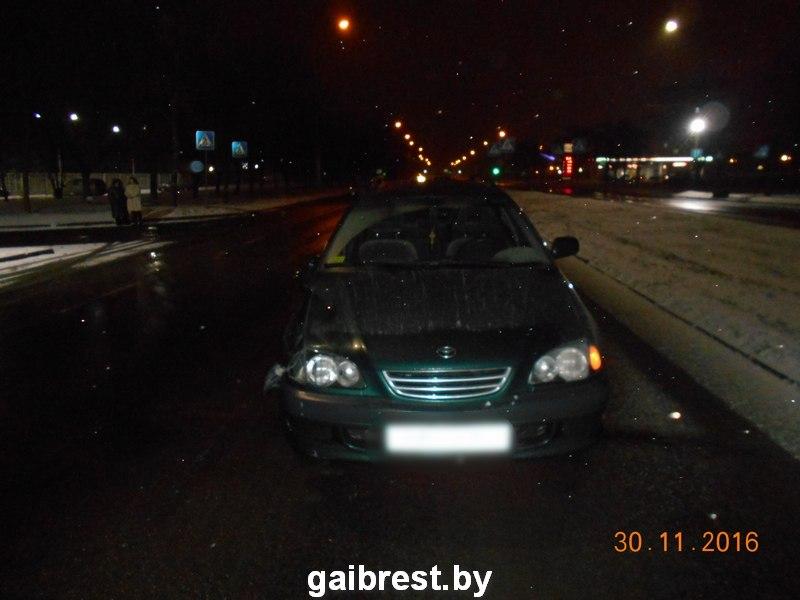 """В Бресте под колесами """"Тойоты"""" пострадала женщина-пешеход"""