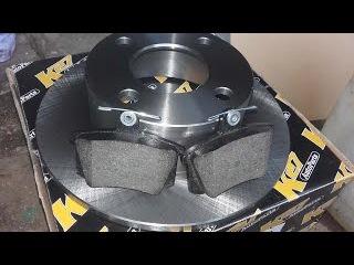 Замена задних колодок, тормозных дисков и всё об этом на ауди 100