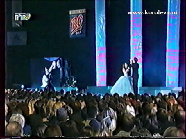 Н Королева Голубой топаз шоу юдашкина 98