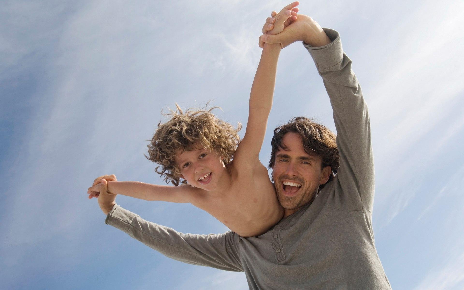 0Hq0W09qoww - Чему отец должен непременно научить сына