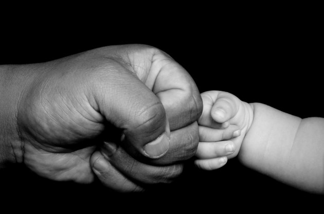 A9zND7Yqk c - Чему отец должен непременно научить сына