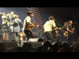 Mumford &amp Sons feat. HAIM &amp Ben Howard  The Weight The Band Cover (Live @ Babel Tour Barclays Arena)
