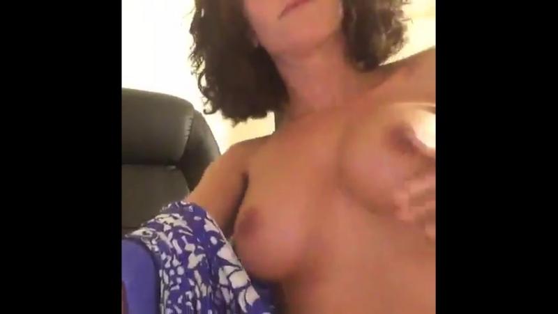 Мнёт сиськи, зрелые сиськи, лучшее порно бесплатно, russian porn