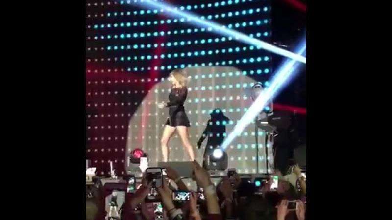Taylor Swift - 22 (Houston