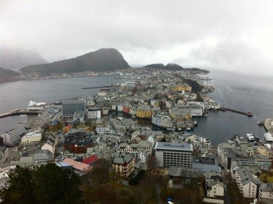 Роскошные пейзажи Норвегии - Страница 6 LCWt7XquklU