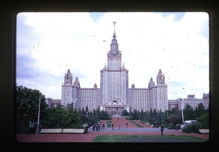 GiCUtoE1jF8 - СССР 60-х годов прошлого века глазами интуриста
