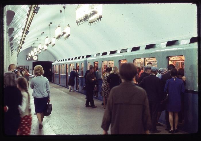 JcKV6O62kKg - СССР 60-х годов прошлого века глазами интуриста