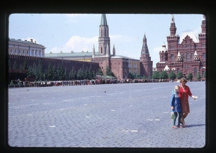 KygMcsMx3pA - СССР 60-х годов прошлого века глазами интуриста