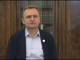 Мэр Львова пытается сдержать чрезвычайную ситуацию с мусором