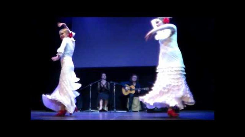 Концерт Ensueno Andaluz 25.04.17. в Арт-кафе Дуровъ. Любовь Краюшкина и Юлия Пламс.