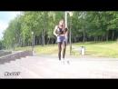 Молоденькая девушка в черных колготках и джинсовых шортах  Young girl in black pantyhose and jeans shorts