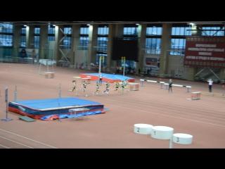 Финал бега на 60 метров среди девушек 2002-2003 г.р. в Тюмени на матчевой встрече Сибири и Урала 3.12.2016 г.