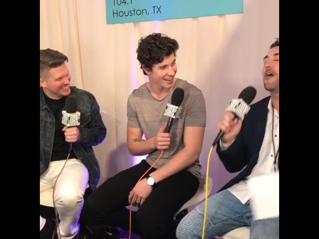 Shawn doing an interview with backstage at the AMAs rehearsals today