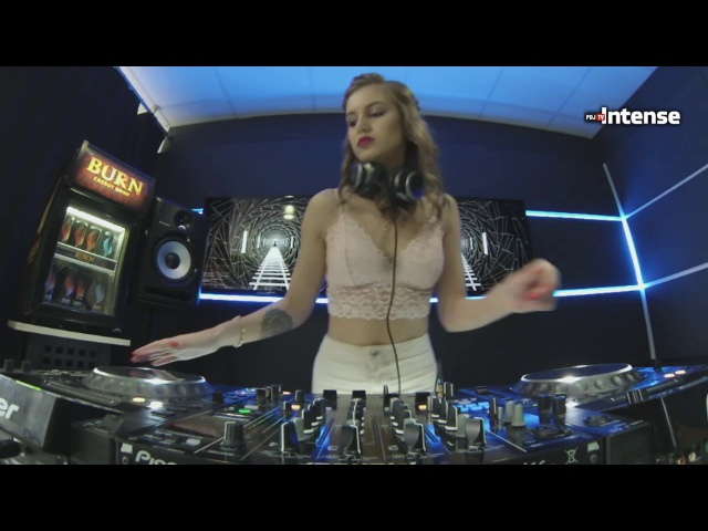 Xenia Meow - Live @ Radio Intense 09.05.2017 (Ksenia Meow)