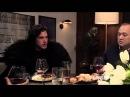 «Игра престолов» Джон Сноу на ужине у Сэта Мейерса с переводом