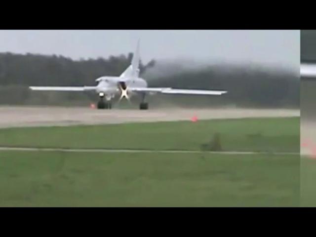 Видео аварии бомбардировщика Ту-22М3 при взлете в Калужской области
