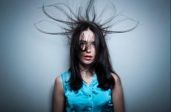 электризация волос, электризуются волосы что делать, чтобы волосы не электризовались,