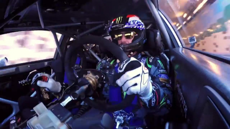 Сумасшедшая гонка Ken Block vs.Police в Дубае на Ford Fiesta ST RX43.mp4
