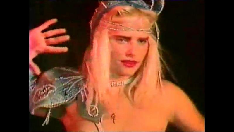 Ilona Staller (Cicciolina) - Muscolo Rosso (Original Version) (Original Music Video) (1987)