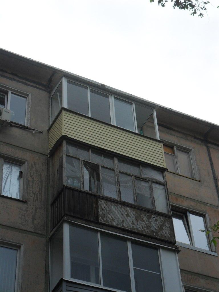 Наружная, внешняя отделка балкона, лоджий (сайдинг) /ижевск/.