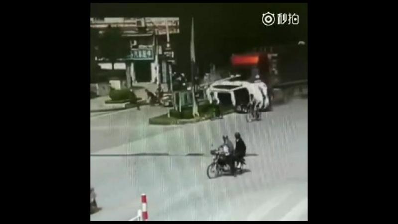 Caminhão sem freio na China Medieval